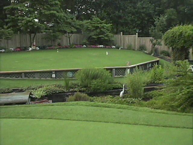 Real Putting Green Backyard : PuttingGreenscom Backyard Golf Green Photos